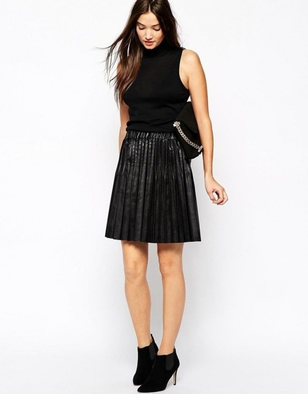 sisley_skirt_in_pleated_leather_look_front.jpg