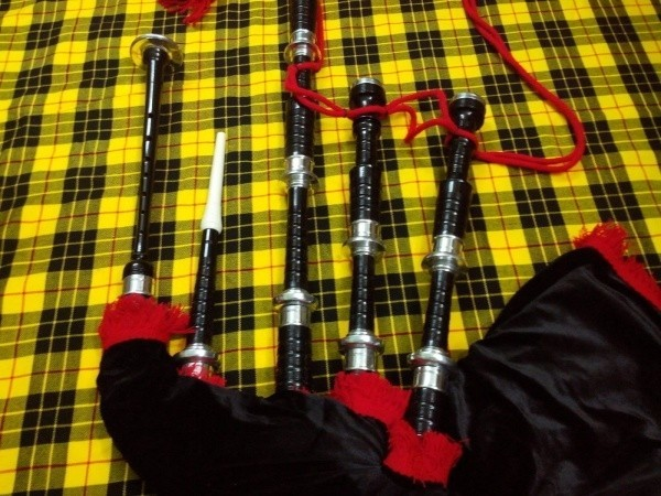 tc_scottish_bagpipe_highland_rosewood_.jpg